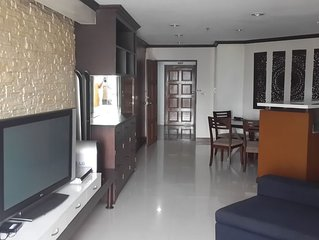 Ploenchit Superb Location, nearby Bumrungrad Hospital - minimum rental 30 days