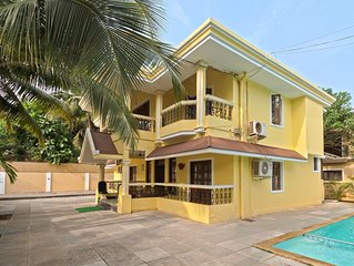 Living in the Lap of Luxury with Art Murals, Pool & Seahorse Shower in Calangute