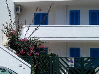 the blue house, pampered in Salento