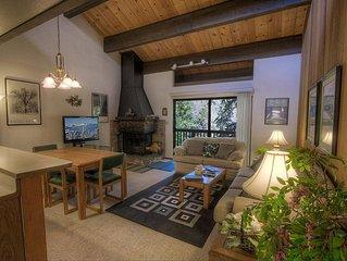 Kingswood Condo w/BBQ, Deck, Fireplace, Summer Pool & Tennis (KWC0655)