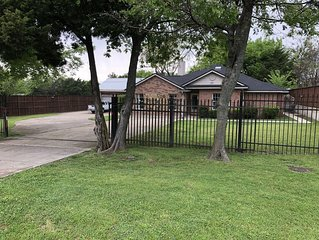Gated House with Big Patio on 1 acre lot - Sleeps 20. Special for Events!!!