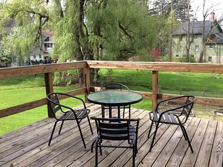Garden View- Reserve now for Fall Leaves! Perfect for 2 walk to dining, Wi-Fi