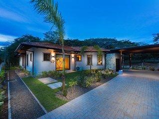 Casa Amistad - New 3BR 3.5BA home. 2.5 blocks from Playa Grande!
