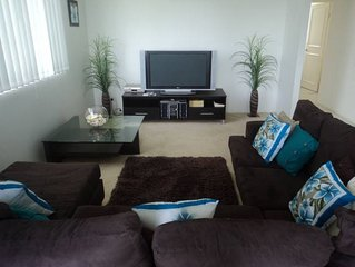 Sandpiper By the Beach Luxury and Location Free WiFi Beachfront