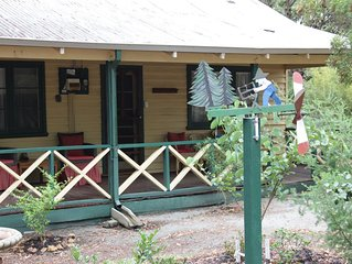 Woodcutter's cottage - come to enjoy the bush, peace & quiet
