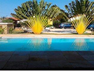 Alugamos linda casa com piscina, próximo a praia em Beberibe- CE
