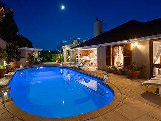 Upmarket Tuscan Villa sleeps 12 With  Heated pool & Jacuzzi
