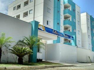 Apto para 5 pessoas  novissíimo no Itaguá, 2 quartos (1 suite), pisc,  wifi e ar
