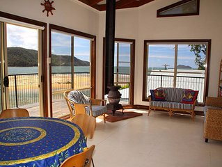 Patonga Beach House Bach