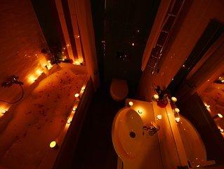 Romantic stylish designed renovated city heart apartment with HUGE bathtub  ))))