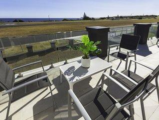 Waterfront Ocean Views , Linen & Wifi 10 minutes to Phillip Island sleeps 6