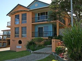 Phoenix Terrace - large townhouse in Yamba