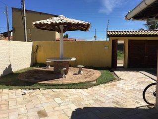 Casa de praia com piscina e churrasqueira e otima area de lazer.