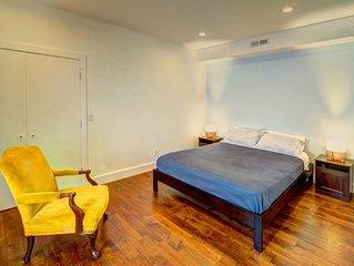 Maverick Square Queen Bed Apartment