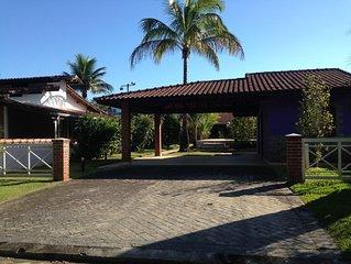 Casa c/ piscina, em condomínio (Morada) Boraceia/Bertioga. Somente para familias