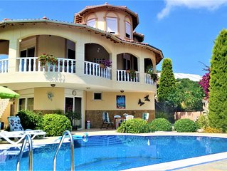 Gorgeous private Villa, large private pool, beautiful garden and orchard