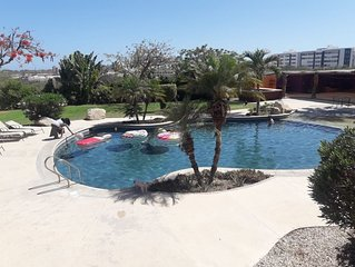 BRAND NEW! BIG STUDIO WITH POOL Wifi PET FRIENDLY 2 BLOCK FROM THE BEACH IN CABO