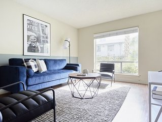 Sonder | 2306 Marquee Uptown | Sunny 2BR + Pool