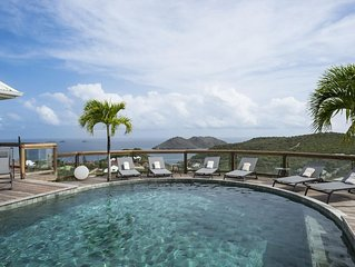 Amazing Views of the Ocean and Hills, Heated Pool, Sound System and Private Deck