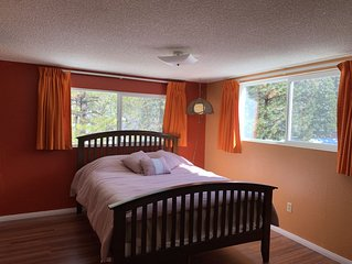Cosy cabin in a culdesac with lots of PARKING