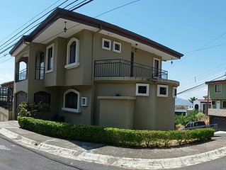 CntralVally View TwnHouse 3bd/2.5bth,Cntral A/C & Hot Water-Wlk to UNA Univrsity