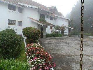 Apartamento em condominio fechado, com linda vista. CAPIVARI (Morro do Elefante)