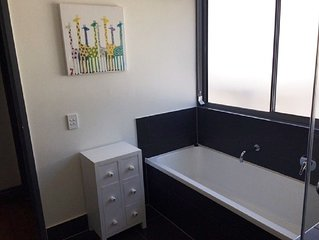 Book a room at Jackson Guest House near restaurants, shops and Brisbane airport