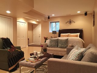1000 sqft Seperate Entrance Suite with 3 Queen Beds and Home Theatre