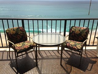 LEGAL VACATION RENTAL•RIGHT ON BEACH*BUDGET FRIENDLY CONDO* SPECTACULAR VIEWS!