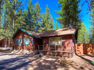 Updated Cabin w/Hot Tub, Fireplace, BBQ, Fenced Yard, in Town (CYH0741)