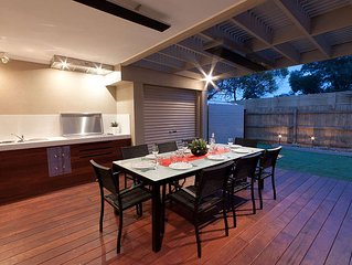 Magnificent townhouse close to Swan Bay.