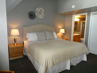 Large 2 bedroom Ski In/Ski Out condo at the Lodge at Mountain Village - Sleeps