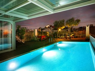 Penthouse/Heated Pool/for Large Groups/AcropolisView/Ideal Location/Host Present