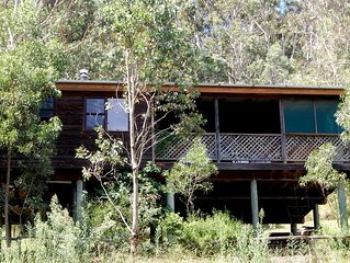 Bluegum Cottage - Private jacuzzi , very private bush views.