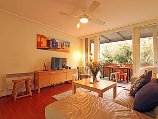 Sun Soaked Balcony, Funky Fitzroy, St Vincents's Hospital 550m, Parking, Pets