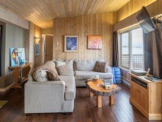 Matt's Oceanfront Suite - With Hot Tub