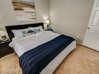 1BR Downtown Townhome | King Bed, 5 Min to Shops
