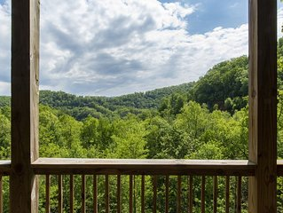 New Luxury Condo in Smoky Mountain Country Club