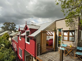 An Oasis in the City is a Solar powered B&B 10 minutes from central Sydney