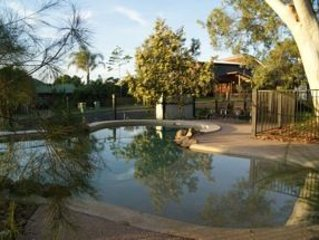 4 Coolberry Court - Modern, double storey family home with swimming pool & cover – semesterbostad i Cooloola Cove