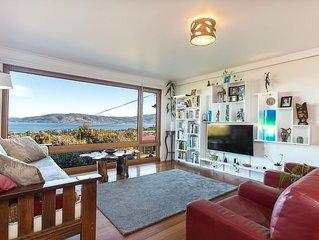 Spectacular views, beautiful, comfortable, eco home
