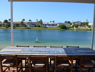 Broadbeach Hamptons Lake House Huge Home with Swimmable Lake
