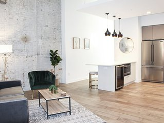 Gorgeous Condo in Unbeatable Downtown Location