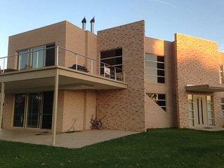 BUNDALONG WATERFRONT Bundalong's premier rental property.  Bundalong's Best