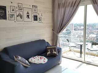 Stylish Cozy Suite*KSL #City View| WIFI |Atari Game #Right Top KSL Shopping Mall
