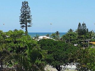 Apto c/ vista p/ o mar a 200 m da praia no Centro c/ garagem coberta