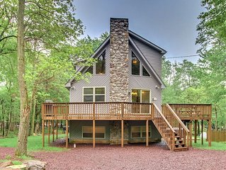 'Deer Run' 6 Bedroom, FIRE PIT, Hot Tub, Pool Table, WIFI, TV's in bedrooms