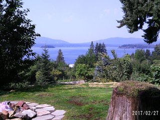 HOPE, IDAHO HOME Only One block from Lake Pend Oreille with GREAT lake views!!!