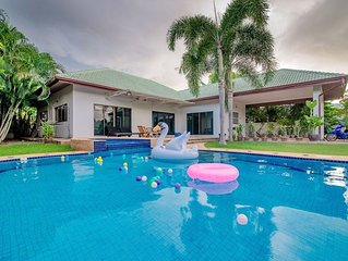 3 Bedroom Villa with large swimming pool, Jacuzzi, BBQ, gardens & pool table.