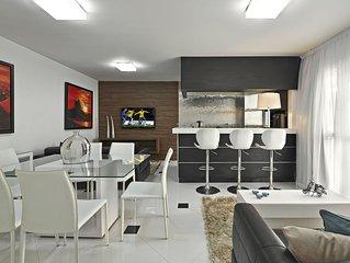 Luxo,ar condicionado split,limpeza diária,TV a cabo,Wi-Fi,garagem,piscina,sauna